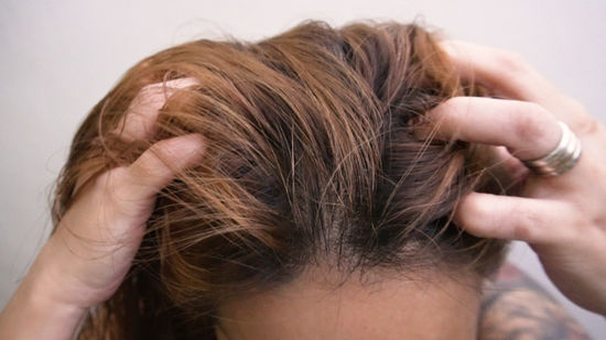 Stop hair falling by using mustard oil